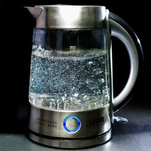 windscreen defrost boiling water